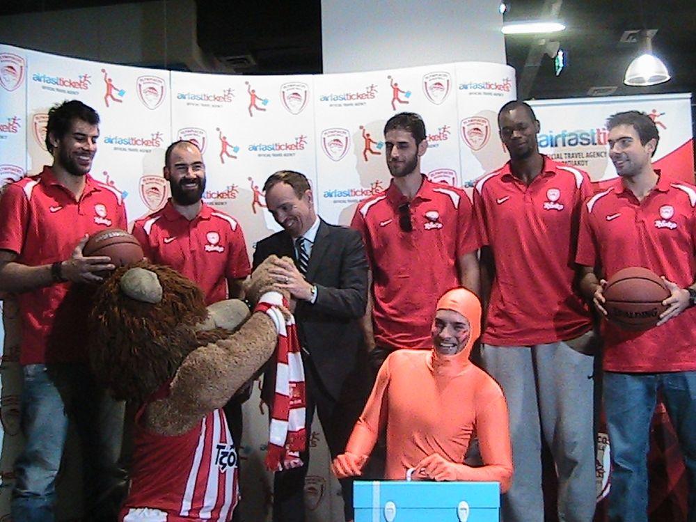 Ολυμπιακός: «Μαζί προς την κορυφή» (videos+photos)