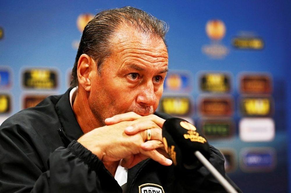 Στέφενς: «Να παίξουμε το δικό μας ποδόσφαιρο»