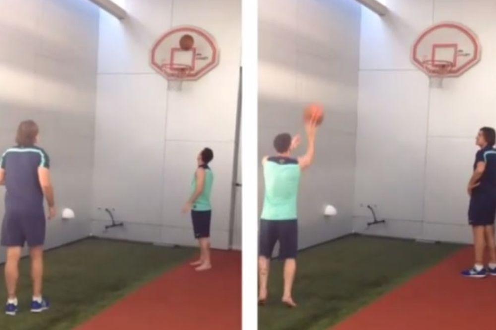 Μπαρτσελόνα: Σκοράρει και στο μπάσκετ ο Μέσι! (video)