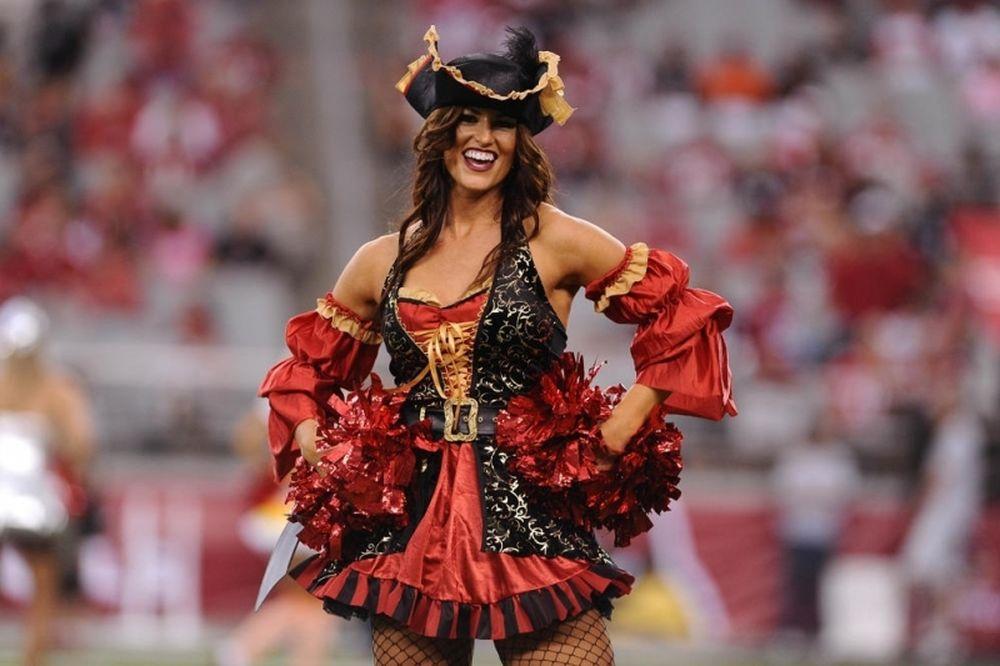 NFL: Σε ρυθμό αποκριών οι Cheerleaders (photos)