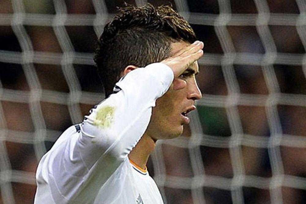Ρεάλ Μαδρίτης: Η απάντηση του Ρονάλντο στον Μπλάτερ (photos+video)