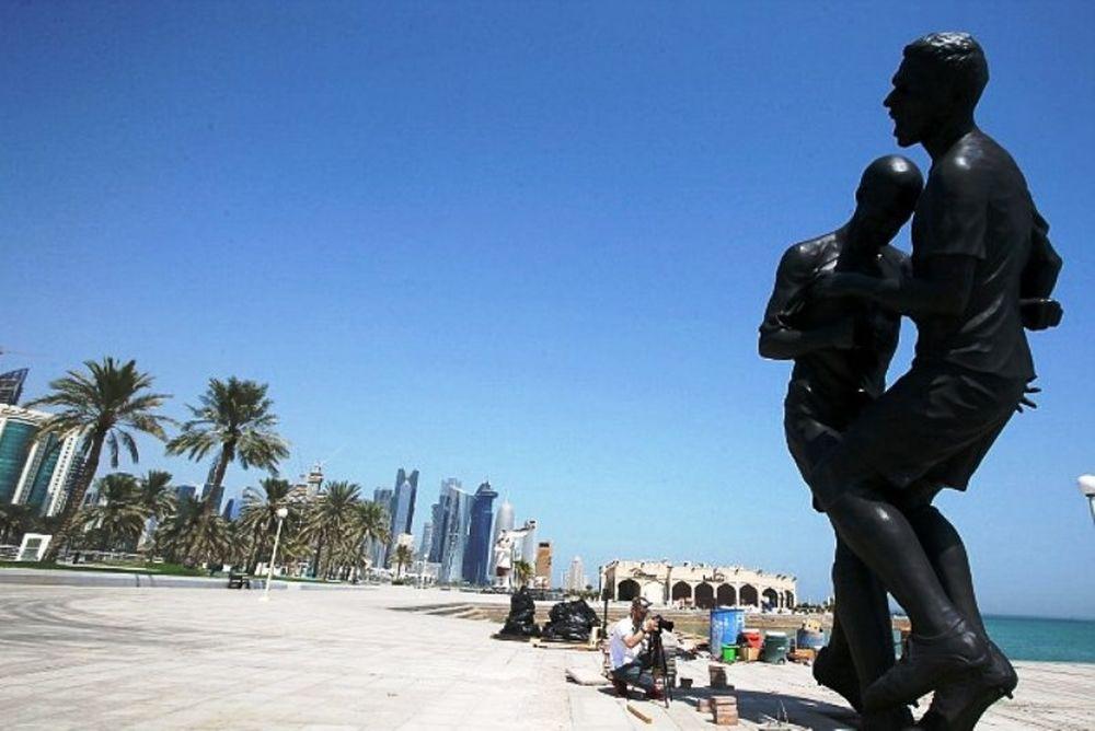 Ζιντάν: Αφαιρέθηκε το άγαλμα από το Κατάρ (photos)