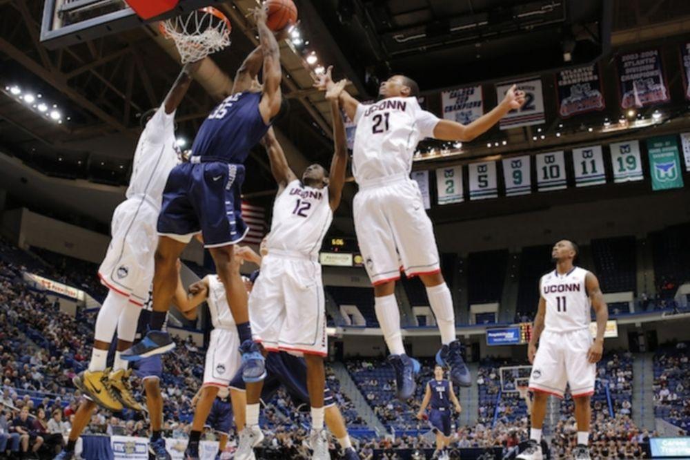 NCAA: Triple-double για Ναπιέρ (video)