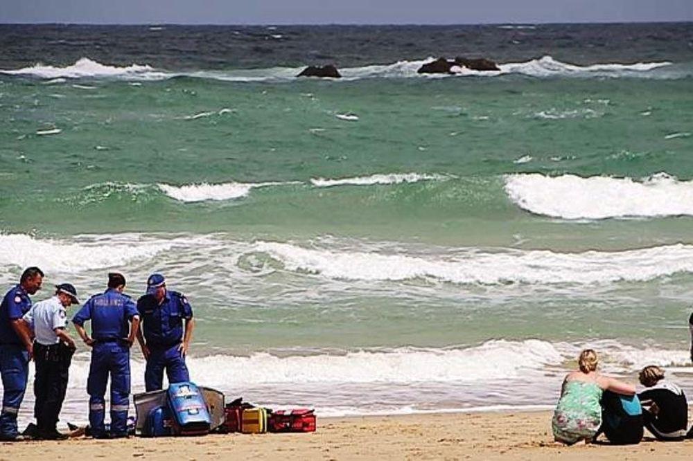 Νεκρός σέρφερ από καρχαρία! (video)