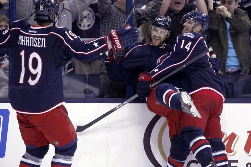 NHL: «Ζωγράφισε» ο Foligno για Μπλου Τζάκετς (videos)