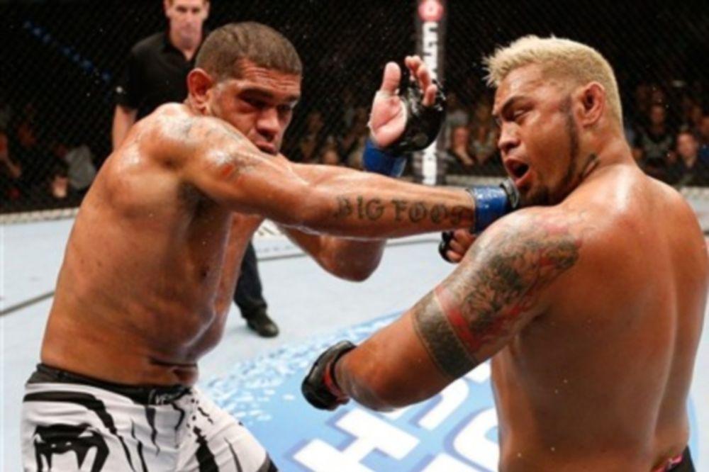 UFC Fight Night 33: Ισοπαλία από τις λίγες στην Αυστραλία (GIFs+videos)