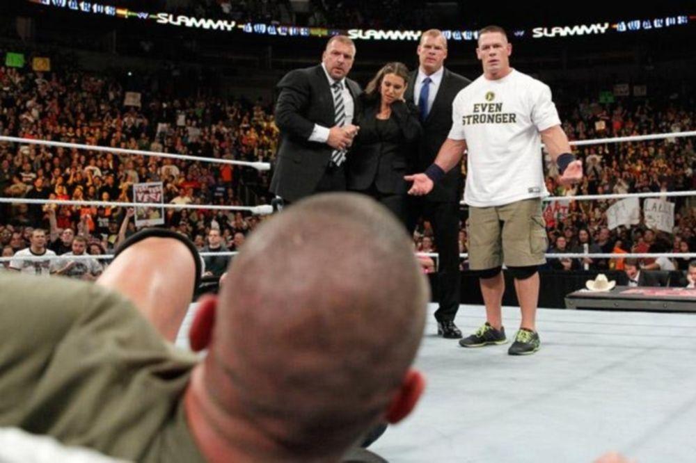Raw SuperShow: Δίπλα στους Authority o Cena! (photos+videos)