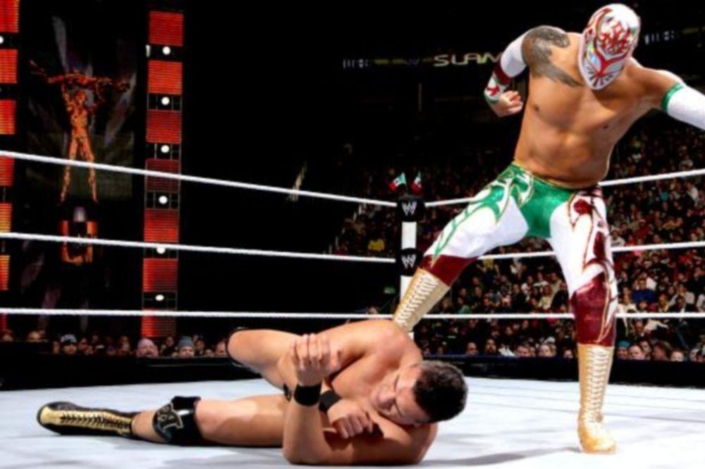 WWE: Διάσειση ο Del Rio