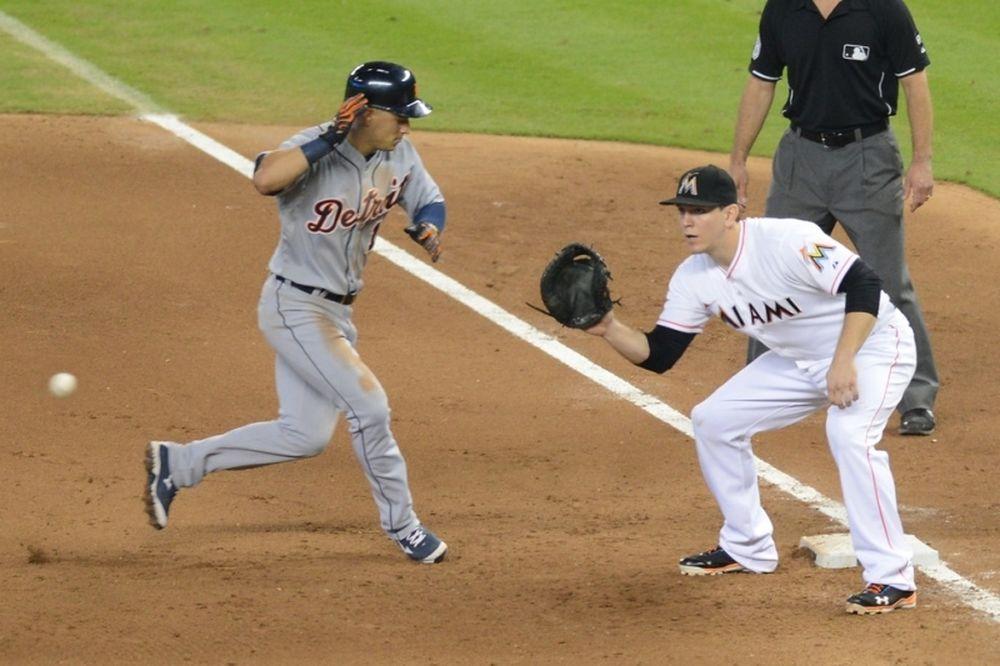 MLB: Πήραν Morrison οι Μάρινερς