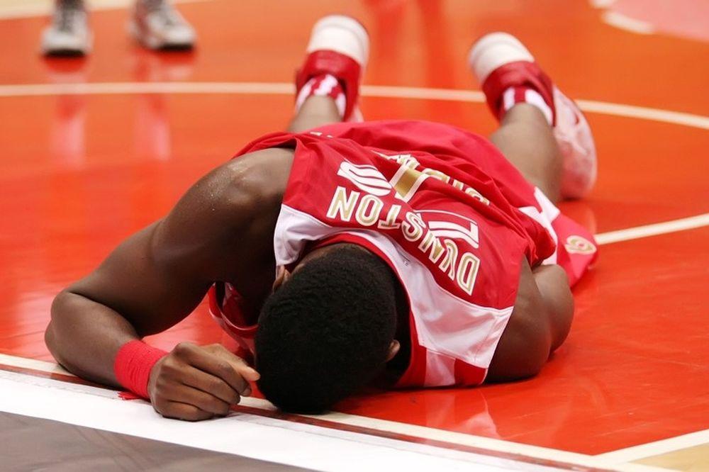 Ολυμπιακός: Ο τραυματισμός του Ντάνστον (photos)