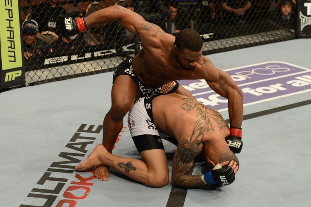 UFC 171: Κέρδισε η επιμονή του Woodley