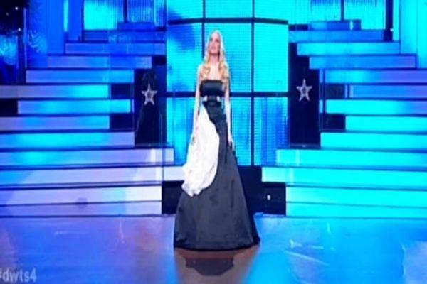 Το πρώτο live του «Dancing» για το 2014 και η μαύρη τουαλέτα της Δούκισσας Νομικού