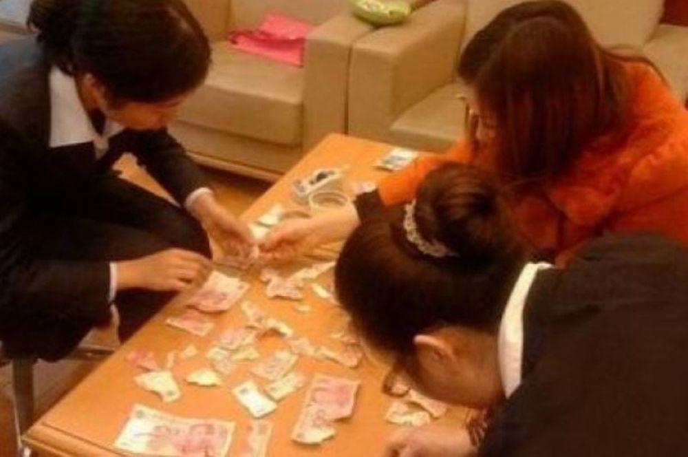 Εγκεφαλικό! Τετράχρονο αγοράκι έσκισε τα 5.000 ευρώ των γονιών του!