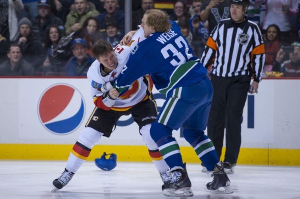NHL: Άγριο ξύλο στο Βανκούβερ (videos)