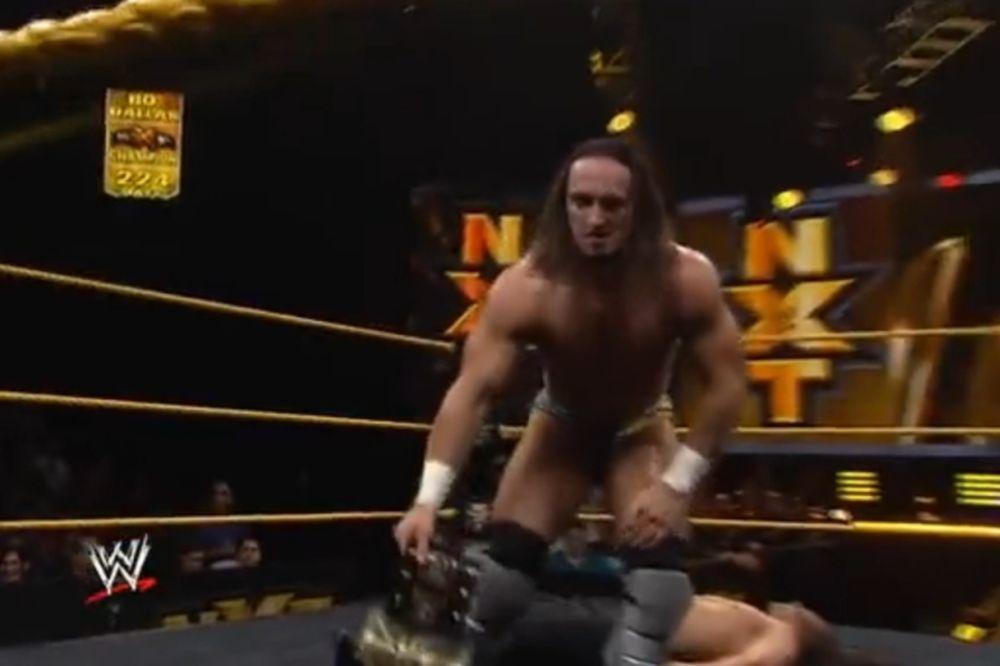 NXT: Ευκαιρία τίτλου για Neville (video)