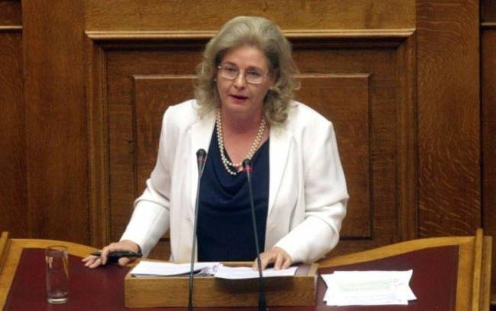 Η Ζαρούλια είπε «αληταράδες» τους Υπουργούς και έχασε 1.500 ευρώ!