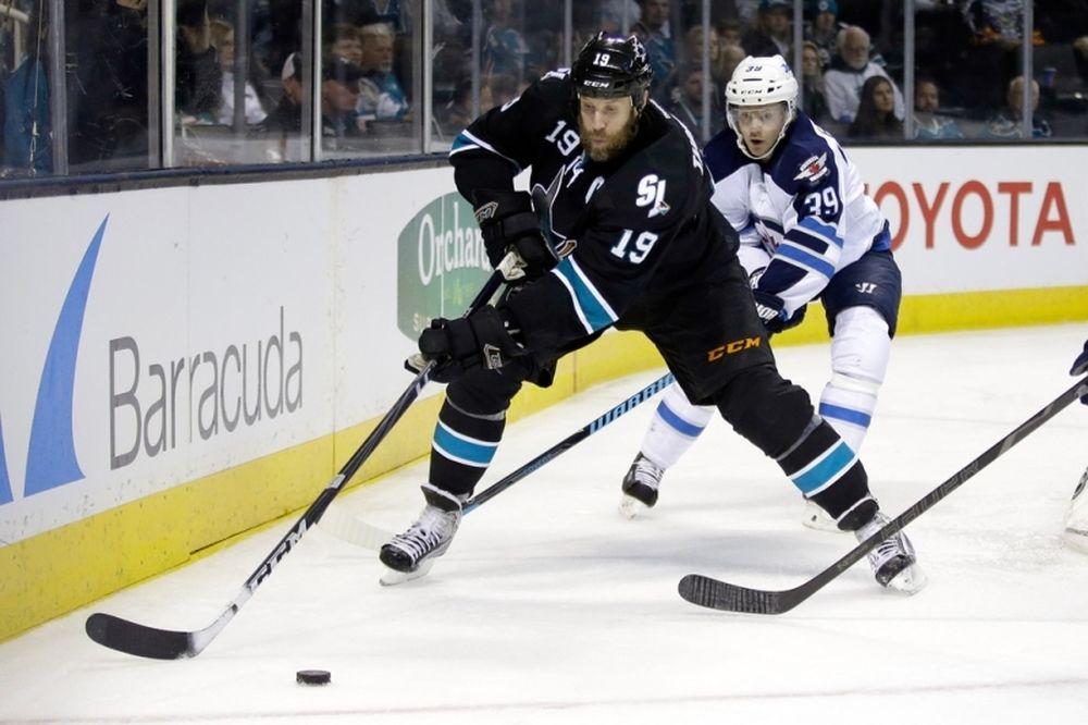 NHL: «Έριξαν» συμβόλαια οι Σαρκς