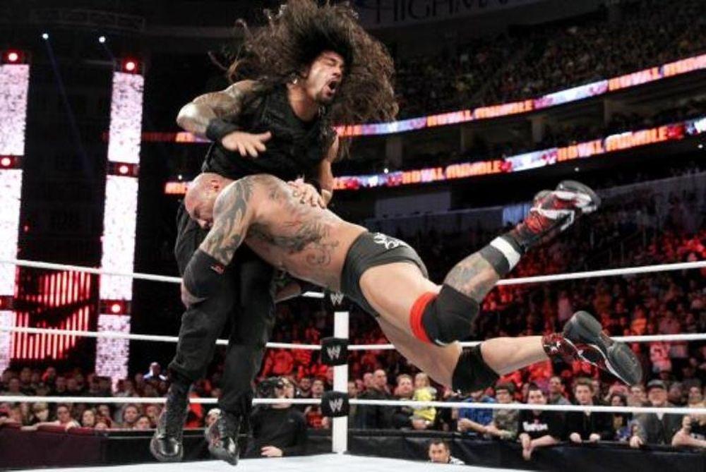 Royal Rumble: Υπό αποδοκιμασίες ο Batista (videos+photos)
