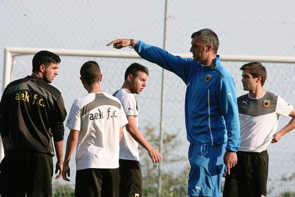 AEK: Προπόνηση με τους γνωστούς απόντες