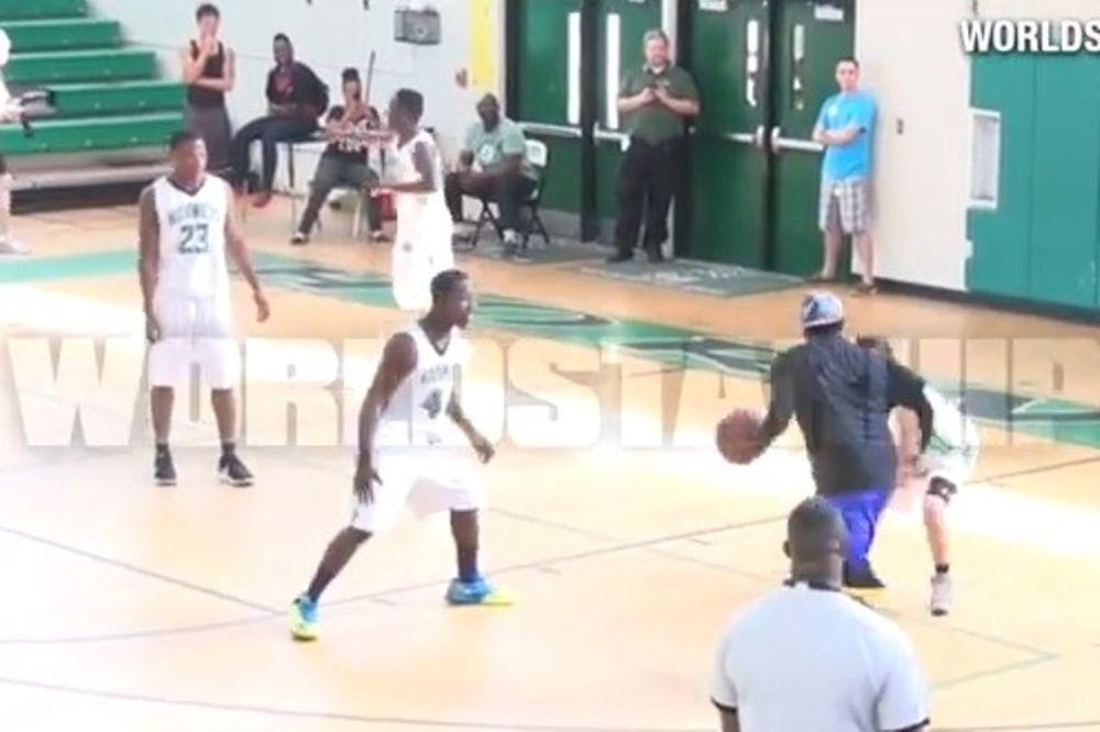 Ο... ζογκλέρ του μπάσκετ: Τον ζάλισε με ντρίμπλες και τον... ξάπλωσε! (video)