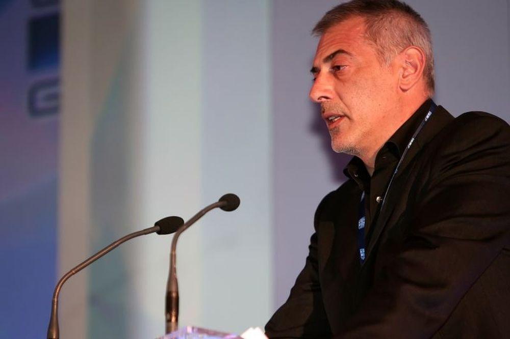 Μώραλης: «Αποχωρώ από την προεδρία»