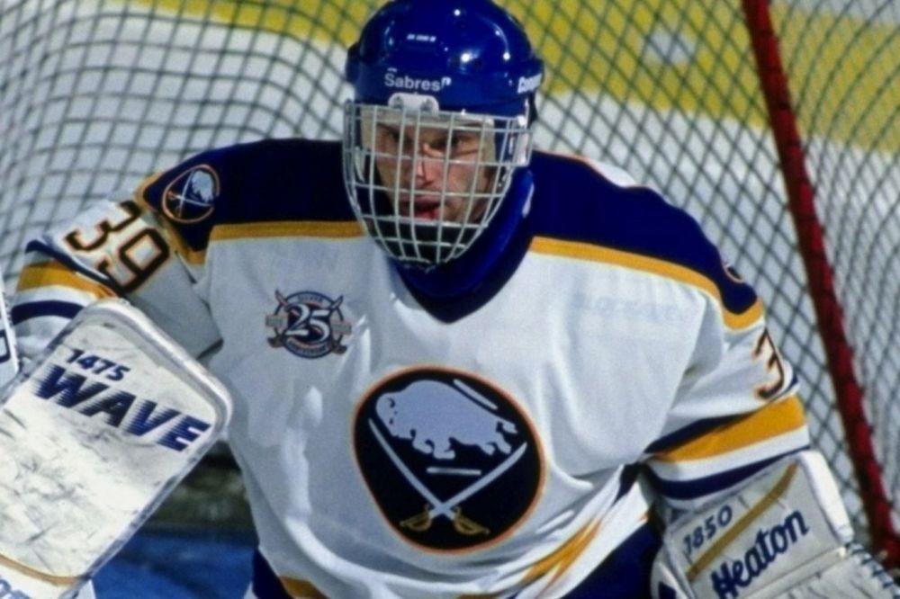 NHL: Τιμή στον Hasek από Σέιμπερς