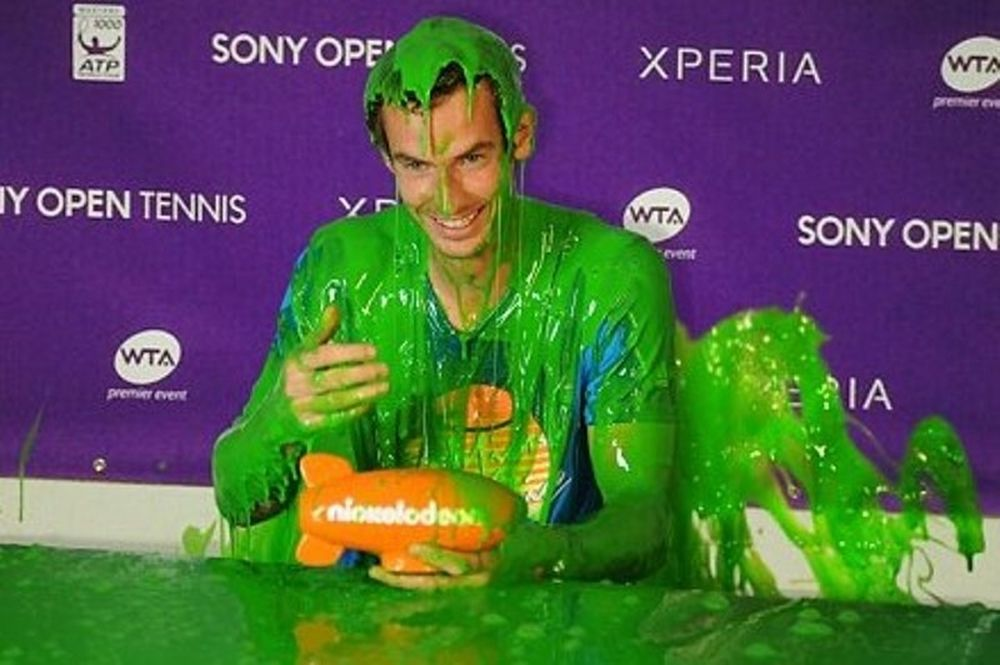 Miami Sony Open: Ο Μάρεϊ και η... πράσινη γλίτσα! (photos+video)