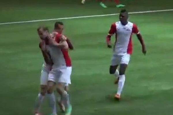 Λετονία: Δεν έκανε... Σκόντο στο γκολ (video)