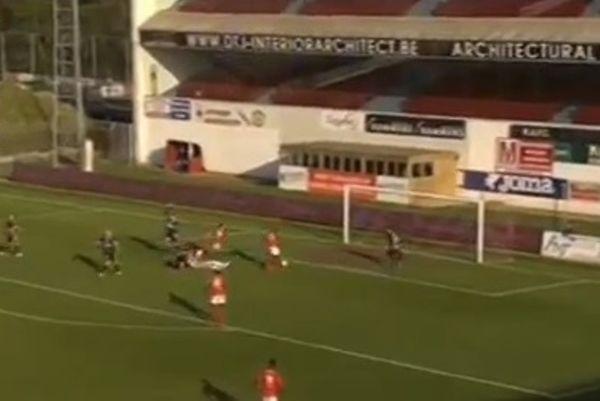 Βέλγιο: Είχε όλο το τέρμα μπροστά του και σημάδεψε... κεφάλι! (video)
