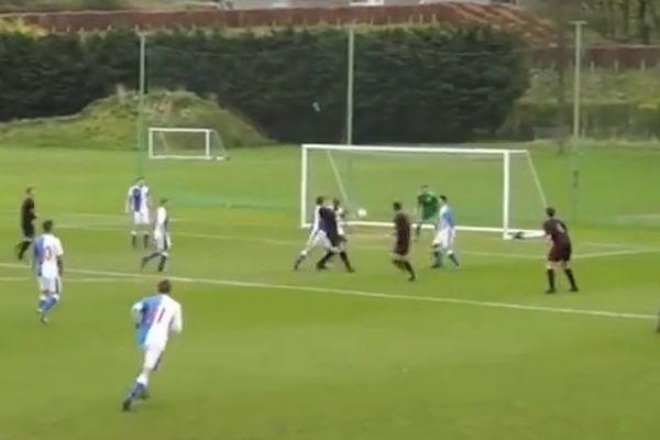 Αγγλία: «Τρελαίνει» με το γκολ του, 18χρονος Εσθονός (video)