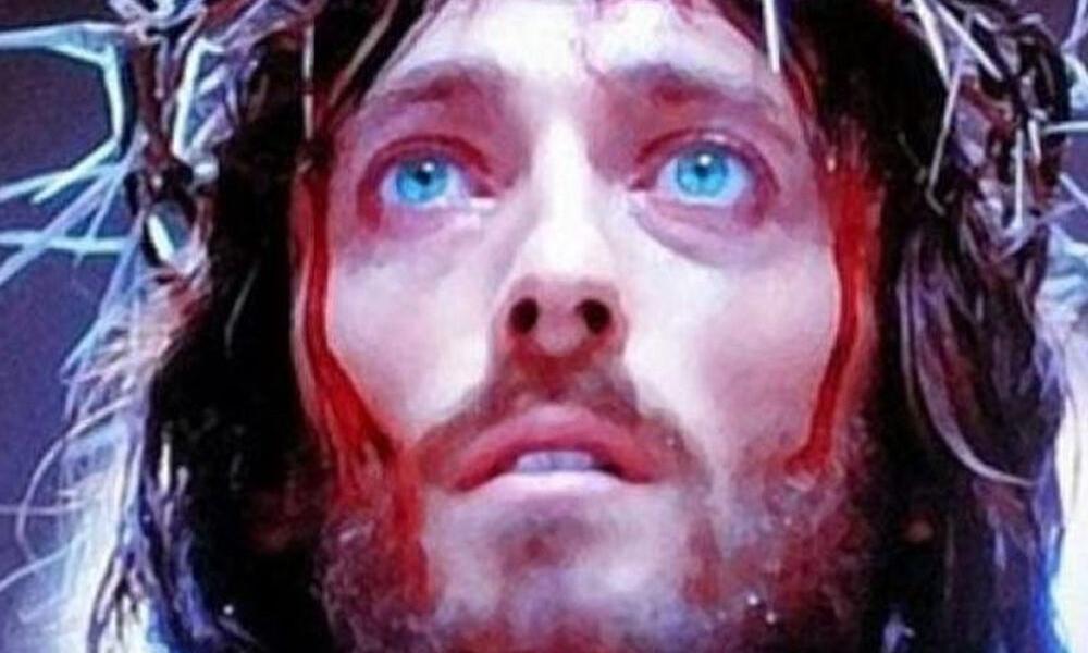 Κόκκινος... διάβολος ο «Ιησούς από τη Ναζαρέτ»! (photos)