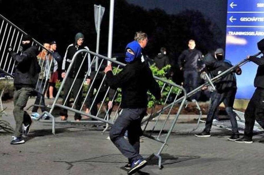 Αμβούργο: Τρελά επεισόδια από τους οπαδούς (video)