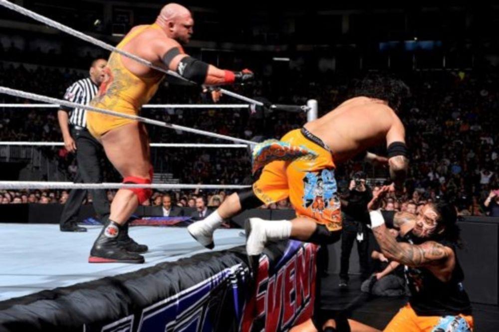 Main Event: Βήμα… τίτλου για Ryback (photos+videos)