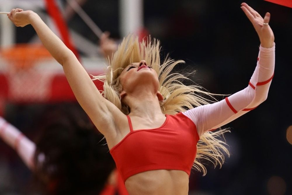 Onsports TV: Καυτές Red Drops (videos+photos)