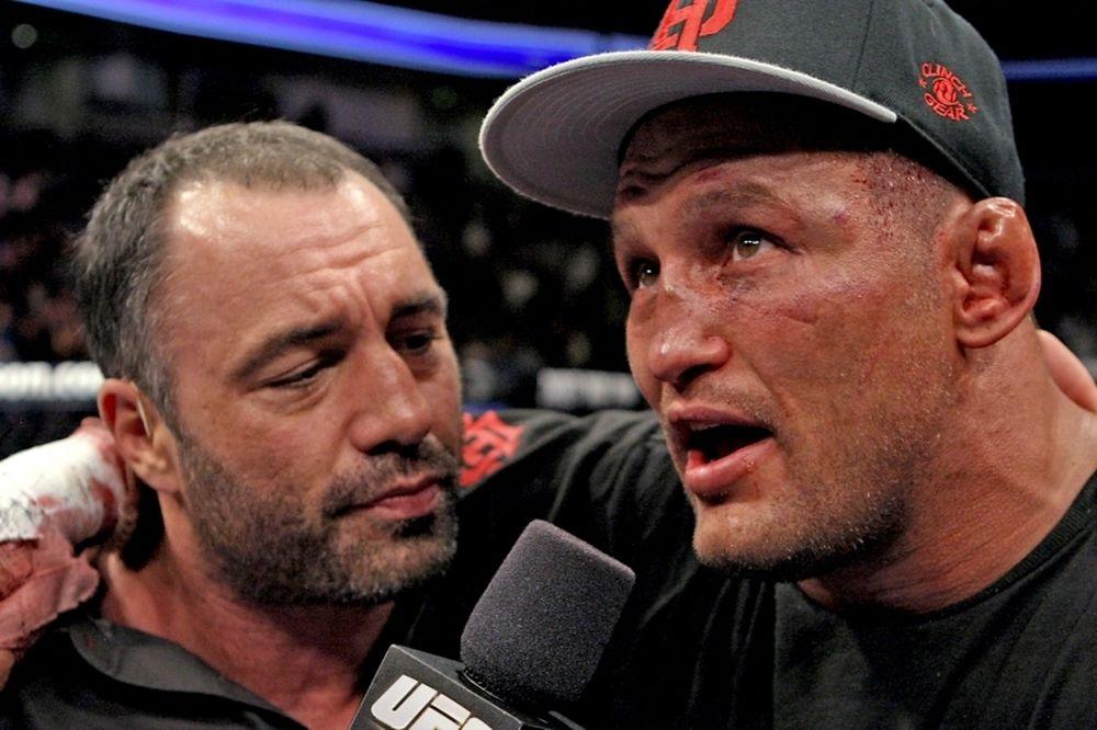 UFC 173: Στο co-main event «Hendo vs Cormier»