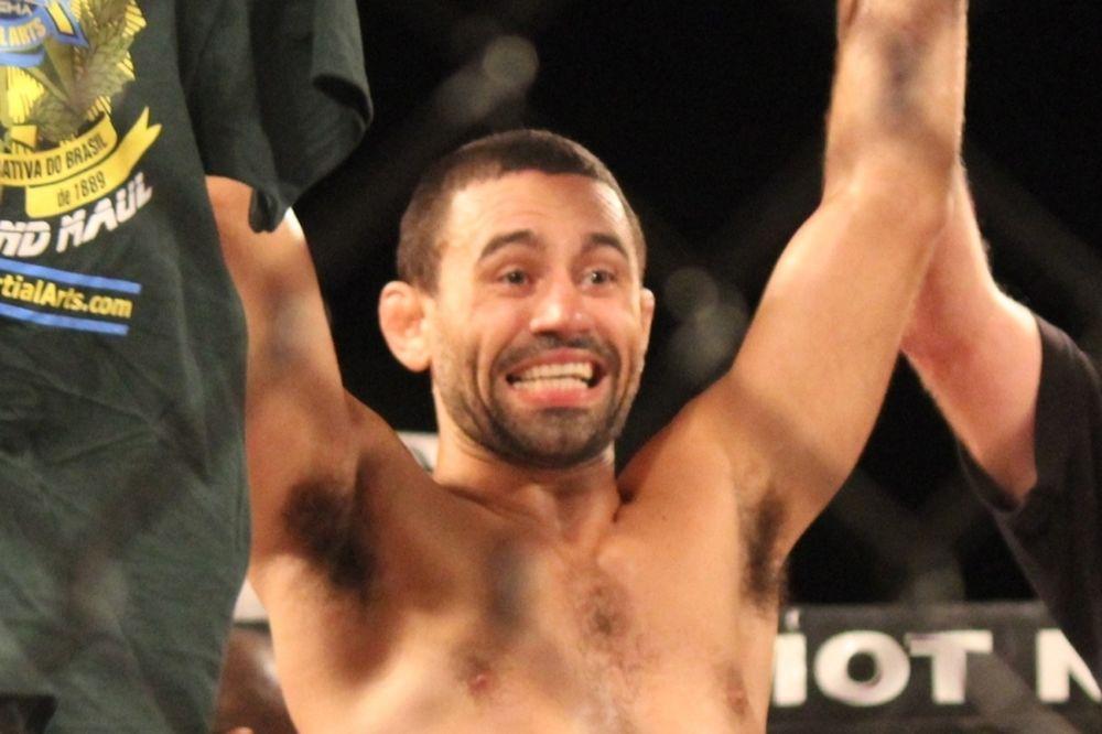 UFC 172: Ανέτοιμος ο Rocha, μείον ένα ματς