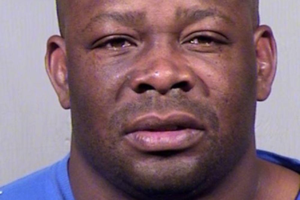 Homer Moore: Κατηγορείται για δολοφονία