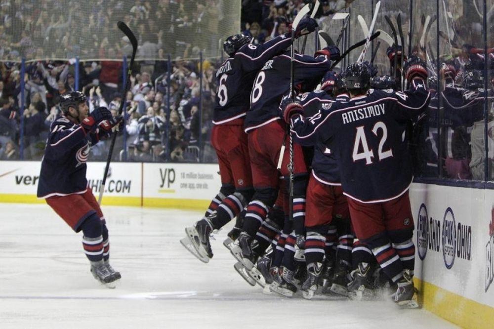NHL: Από το 0-3 οι Μπλου Τζάκετς (videos)