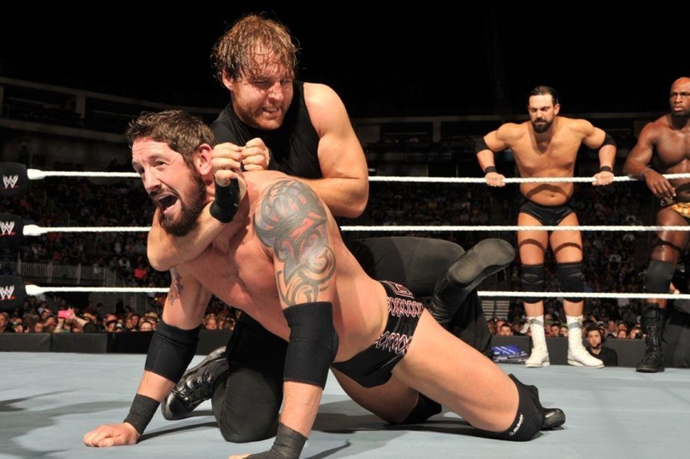 SmackDown: Απόλυτα αφεντικά οι Shield (photos+videos)