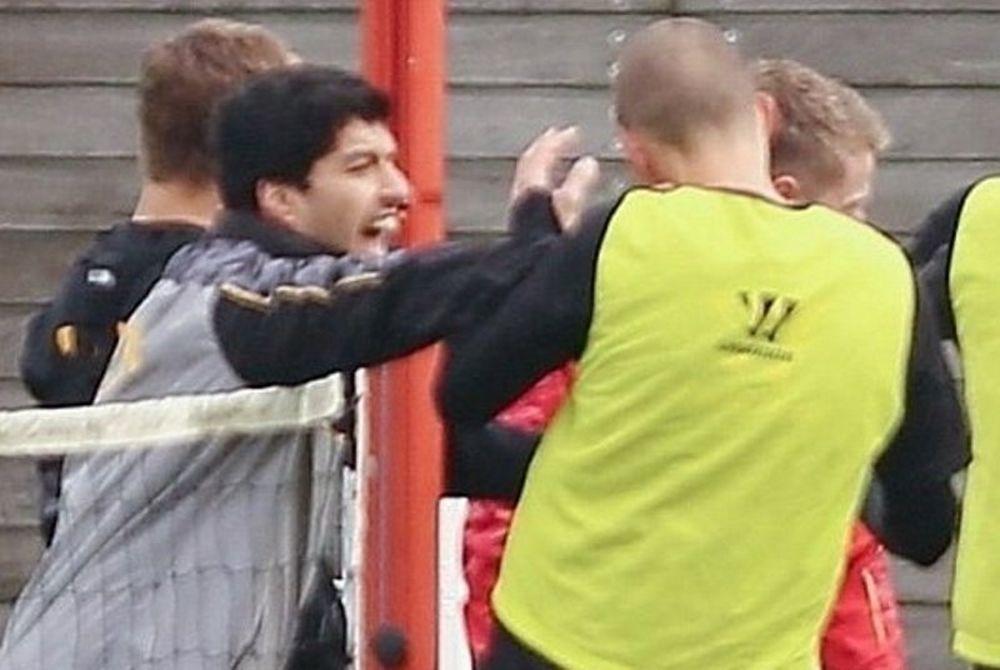 Λίβερπουλ: Πλακώθηκαν Σουάρεζ - Σκρτελ (photos)