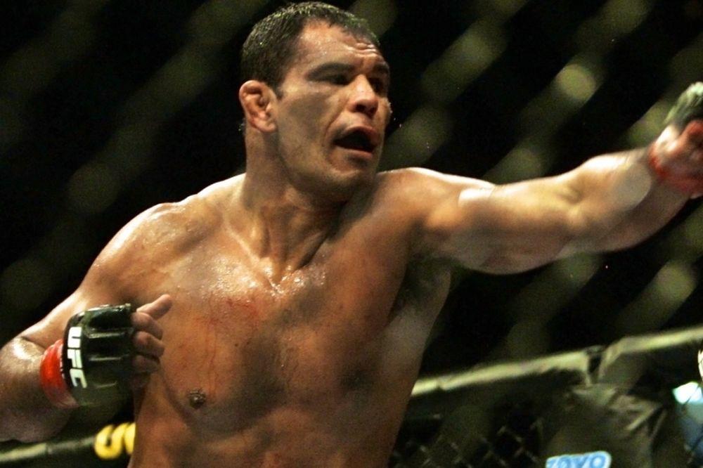 UFC: Επιμένει ο «Minotauro»