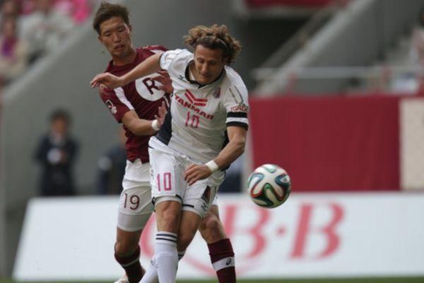 Ιαπωνία: Δύο νέα απίστευτα γκολ από Φορλάν! (video)