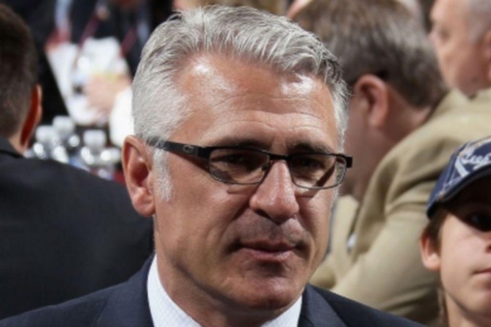 NHL: Νέοι GM για Χαρικέινς και Φλέιμς