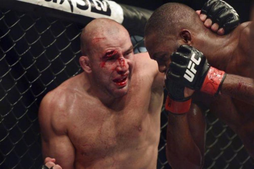 UFC: «Νυστέρι» για Teixeira