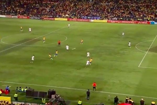 Νότια Αφρική: Φοβερό γκολ από τα 37 μέτρα (video)