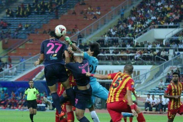 Μαλαισία: Ένατο γκολ για Φιγκερόα (photos)