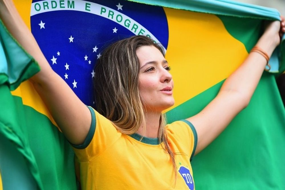 Παγκόσμιο Κύπελλο Ποδοσφαίρου 2014: Σαγήνεψαν οι Βραζιλιάνες (photos)