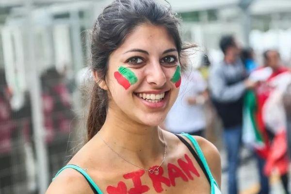 Παγκόσμιο Κύπελλο Ποδοσφαίρου - Φάση των 8: Καλλιστεία στις εξέδρες (photos)