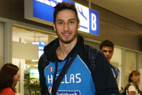 Καμπερίδης: «Χαρούμενοι με τη νίκη»