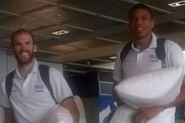 Εθνική Μπάσκετ Ανδρών: Ο Αντετοκούνμπο, ο Καλάθης και τα... μαξιλάρια! (photos)